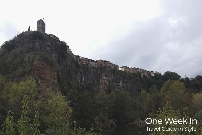 Castellflorit de la Roca, a village on a Cliff