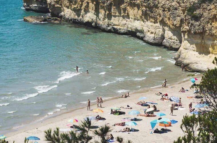 Waikiki Beach Tarragona - How to get here and to enjoy!