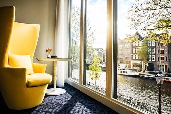 Catch the perfect view of the canal from the window of Andaz Amsterdam Prinsengracht