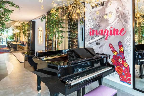 Barcelo Imagine features a piano bar you will surely love