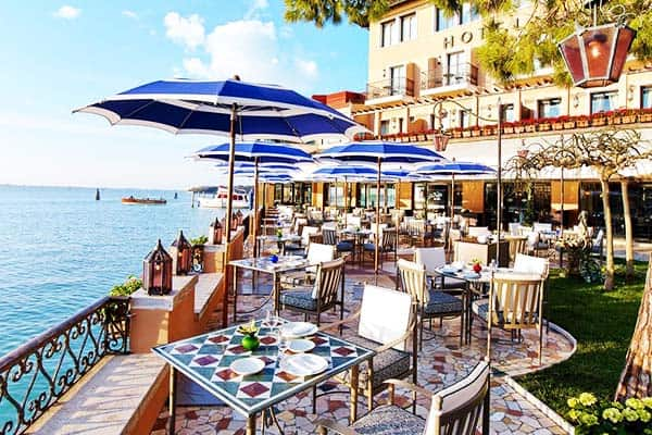 Have a peaceful time to relax at Belmond Hotel Cipriani outdoor area