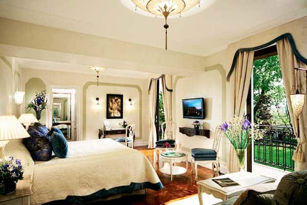 Rooms have a view of the garden or the lagoon at Belmond Hotel Cipriani