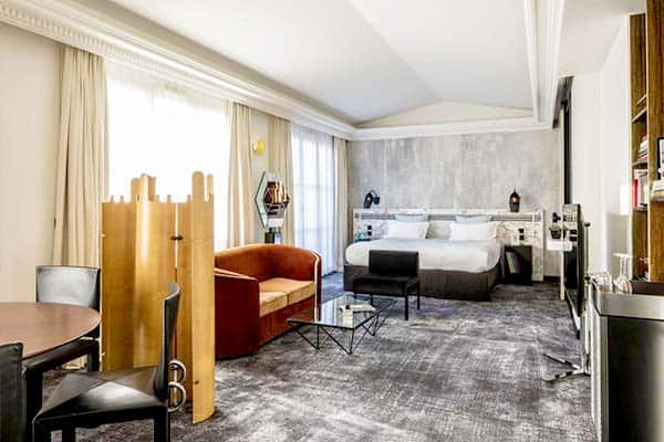 Boutique Hotel in Paris: Les Bains Hotel with top location