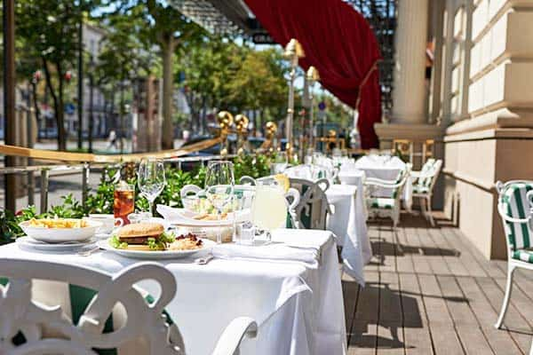 Enjoy the ambiance of Vienna in Grand Hotel Wein