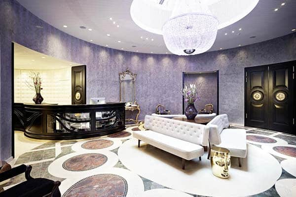 Amaze yourself with the modernly designs of Hotel Sans Souci Wien