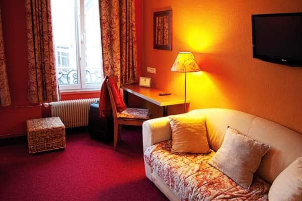Le Kleber Hotel puts you close to Strasbourg's public transportations