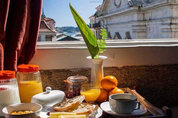 Take advantage of the buffet breakfast served daily in Lisbon Calling