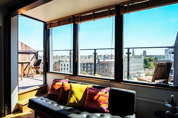Get a wonderful view of Copenhagen at Manon Les Suites Guldsmeden