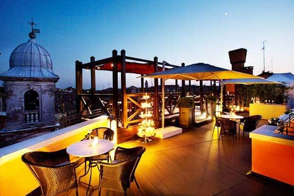 Have a romantic night at Splendid Venice's rooftop bar