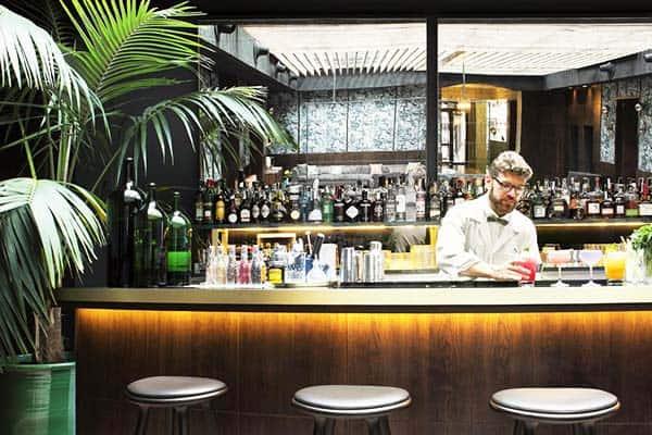 Enjoy the night at the Totem Madrid bar