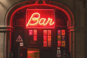 Nightlife in Barcelona: Tips, Dress Code and Where to Go