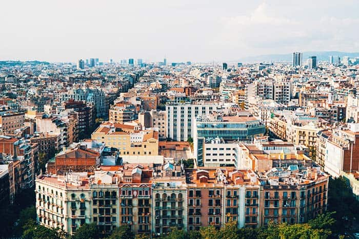 Where to stay in Barcelona? Eixample and the area around Sagrada Familia