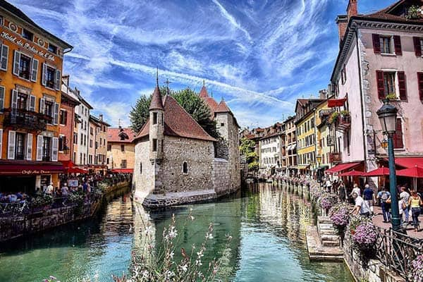 Annecy, south of Genova