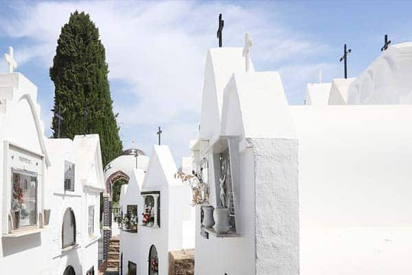 Unsual things to do in Spain, visit cemeteries