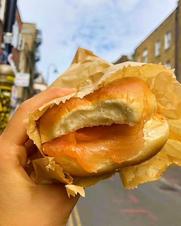 Beigel Bake London, a famous quick-bite in the capital city