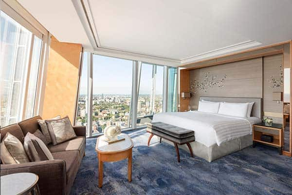 Where to stay in London for couples? At Shangri La Hotel, London