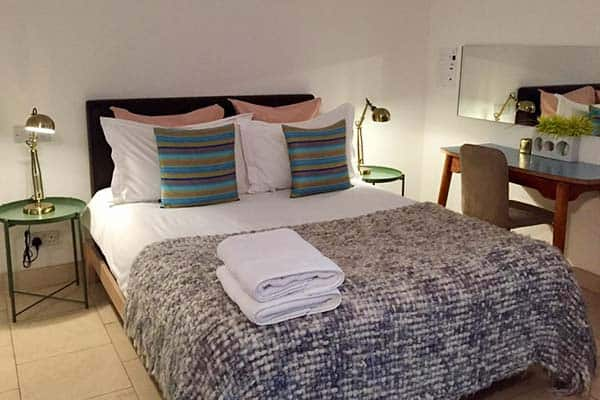 Budget hotel in London, Luxury inn