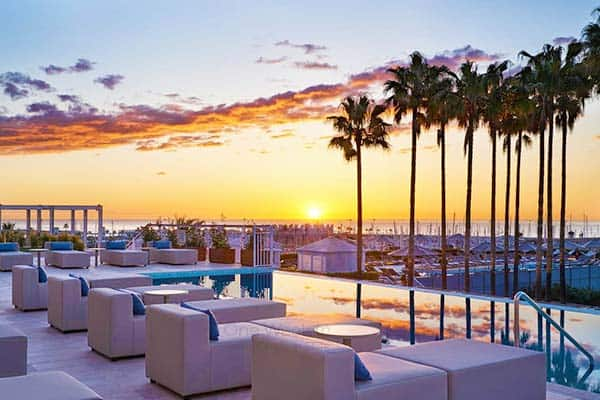 Beach Hotels in Barcelona with Pool: Arts Hotel