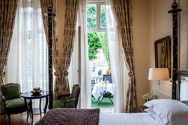 Room at Kengsinton hotel, London