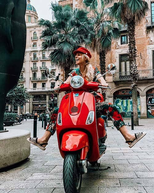 Scooter Vespa rental in Barcelona - Via Vespa