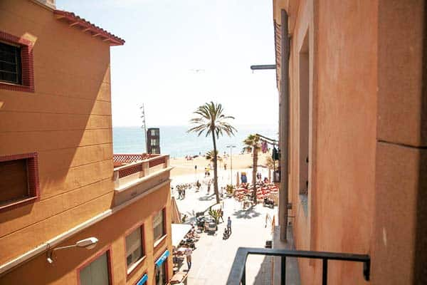 Just 5-minutes walk from Barcelona Beach Apartments you will reach the iconic leaning monument