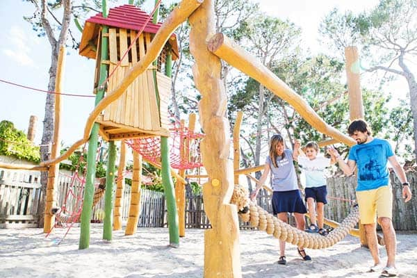 Take the playground course together with your kids at Camping Resort Sanguli Salou
