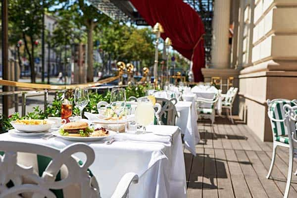 Go intimate with Grand Hotel Wien's restaurant and enjoy the beauty of the outdoor