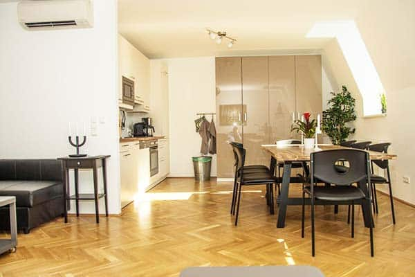 Offering a spacious and fully equipped accommodation best for groups is Hotspot Apartments Westbahnhof