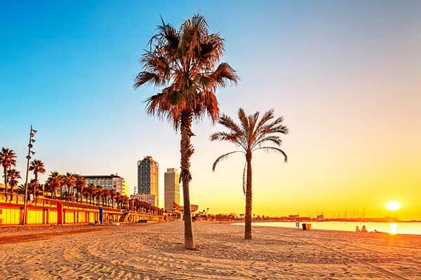 Watch the sun set at Nova Mar Bella Beach