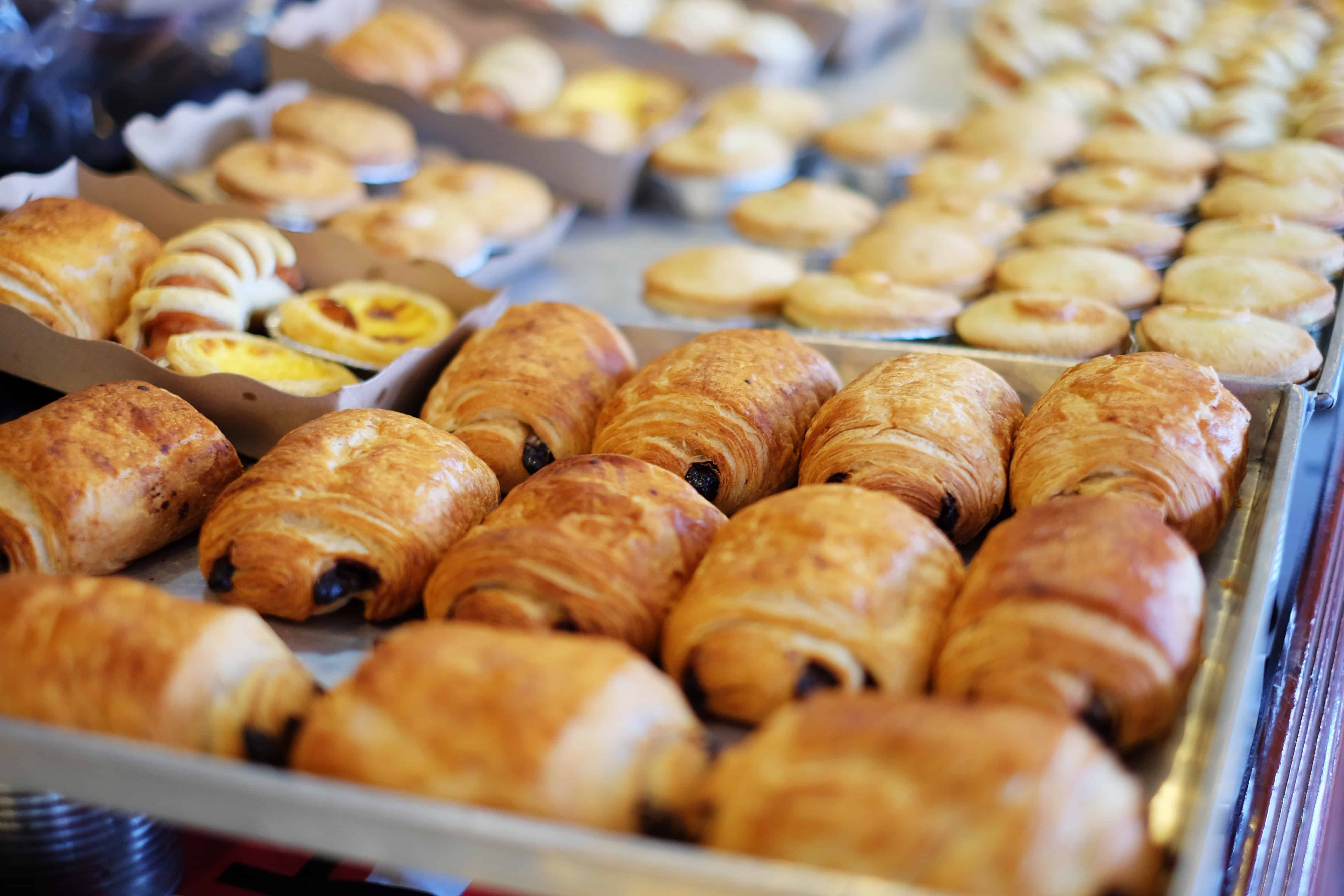 Smell the fresh baked pastries when walk in the streets of Florence in early morning