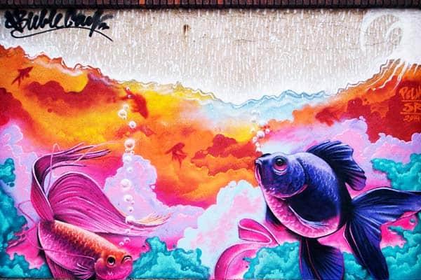 Be amaze with many graffiti arts along Poblenou