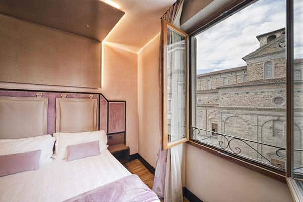 Solo experience hotel Florence, budget acommodation