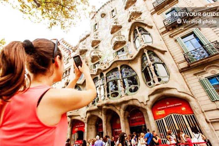 See Casa Batlló's spectacular Dragon Roof Terrace and see concerts and performances