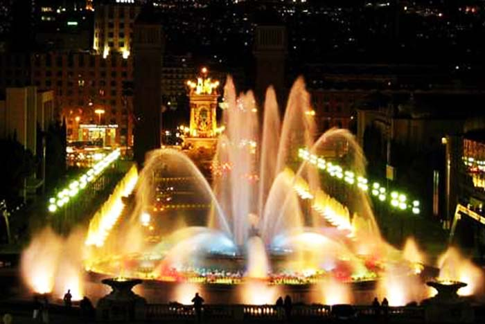 See the famous magic fountain show in Barcelona