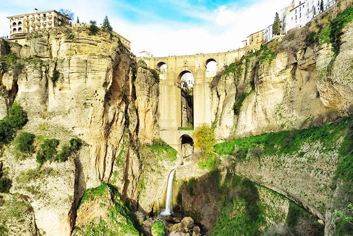 See the wonderful views of Ronda, Spain