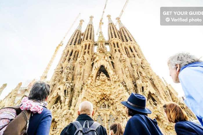 See the iconic Sagrada Familia light up during the night