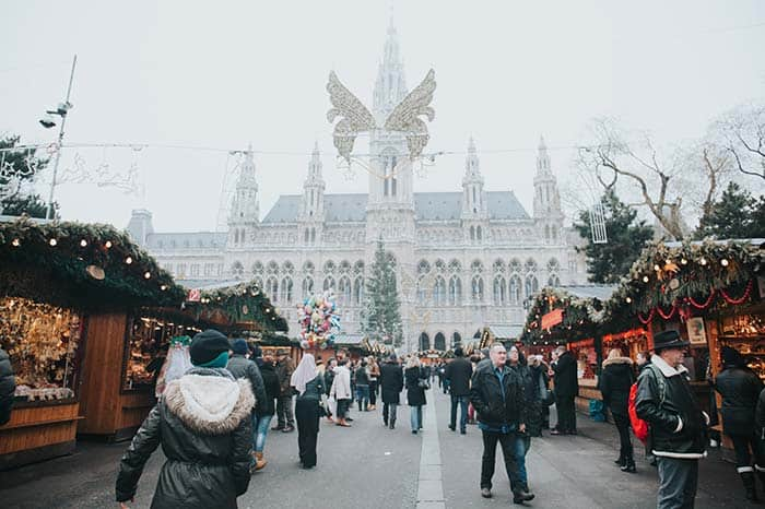 where to stay in vienna for christmas markets?