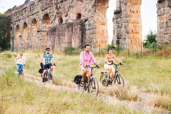 Tour a bike and see Appia Antica Rome