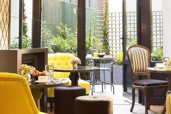 Les Plumes Hotel Paris Breakfast Area