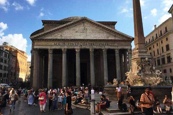 Visit the ancient Roman temple of Pantheon