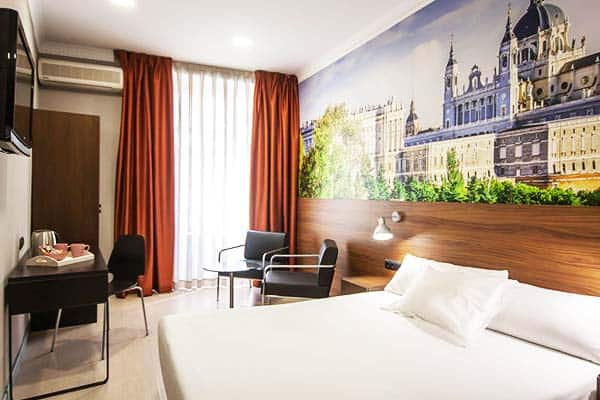 The Citadel by Pillow Madrid Room