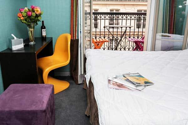 Vintage Paris Gare du Nord Room