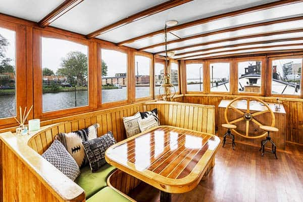 Asile Flottant Amsterdam Deck