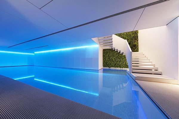 Conservatorium Hotel Amsterdam Pool