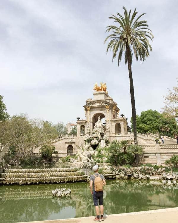 Relax at Parc de la Ciutadella in Barcelona