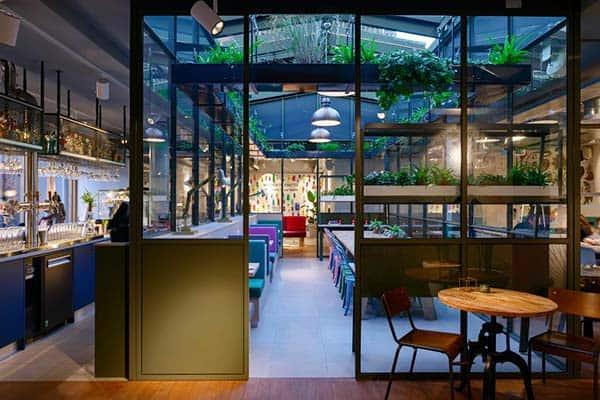 Stayokay Amsterdam Vondelpark Dining Area
