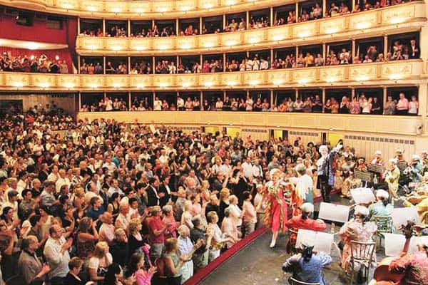 Witness the wonderful performances at Vienna's Opera House