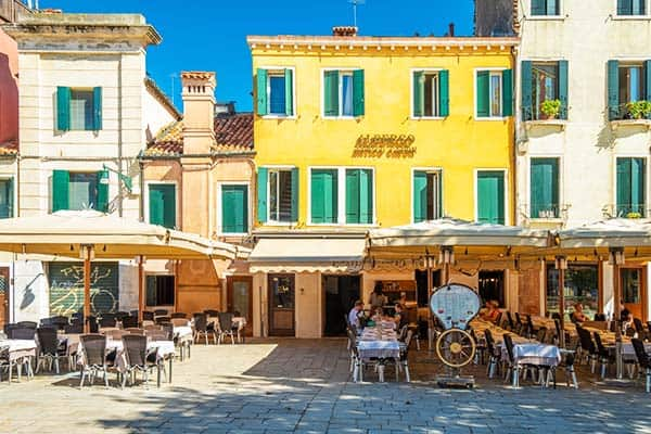 Get lost in restaurants in Venice and enjoy a Venetian meal